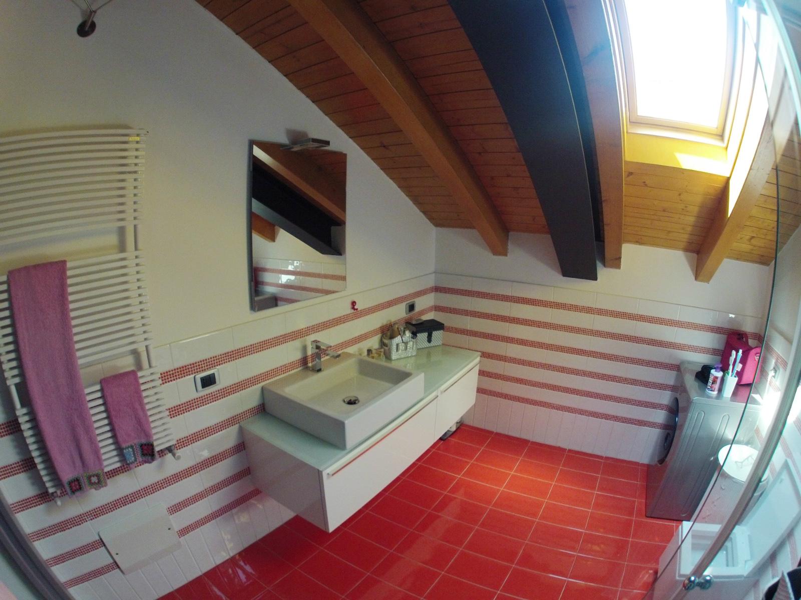Works sintesibagno progetto e realizzazione arredobagno bagno mansarda - Bagno in mansarda ...